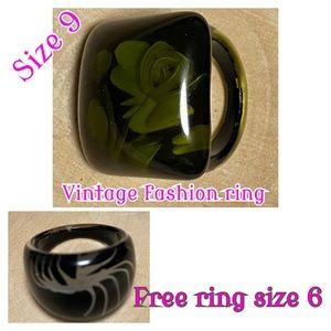 Vintage fashion ring